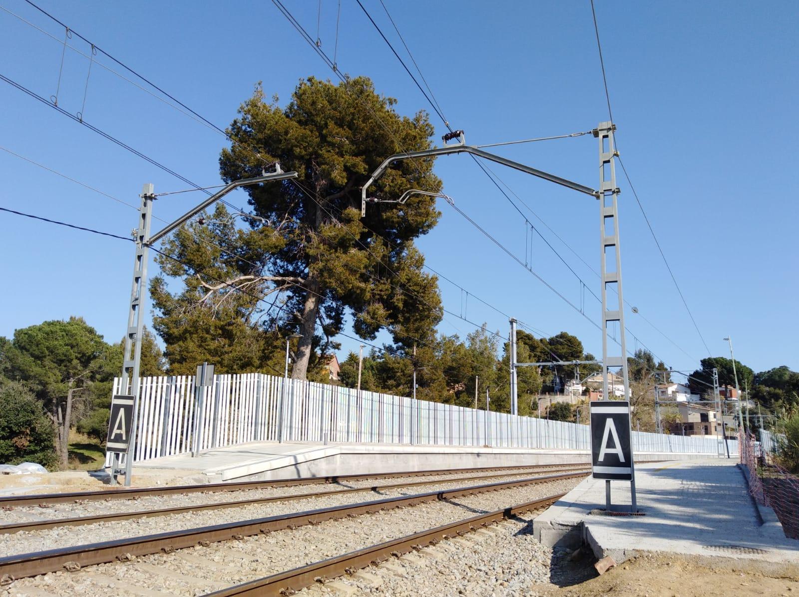 Obres de remodelació de l'estació de  Sant Miquel de Guanteres. Edu Martínez.